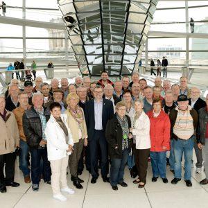 Besuchergruppe aus dem Kreis Düren mit Dietmar Nietan im Bundestag in Berlin